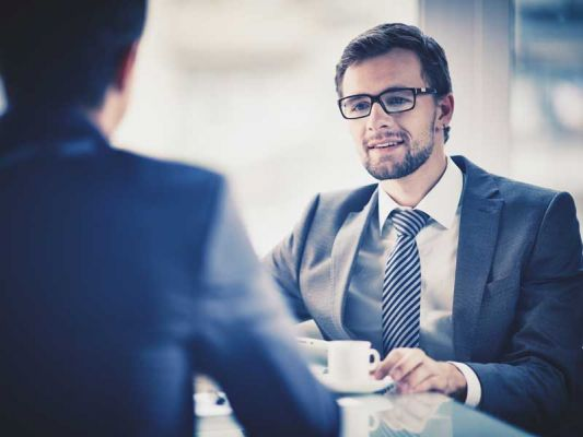Body Language Blunders to avoid in Interviews